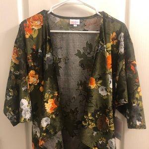 LuLaRoe Floral Shirley size M